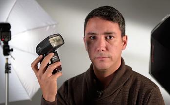 Héctor Aguirre – Fotógrafo y Docente del Taller de Iluminación Strobist