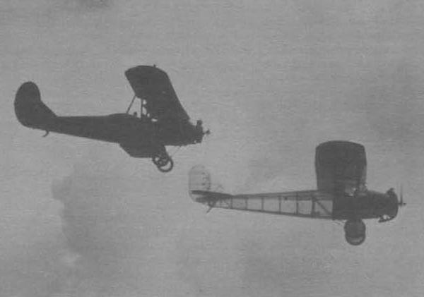 Notas curiosas: Aviones invisibles........en la Primera Guerra Mundial. - Página 3 4.Samolet-PS-v-polete-v-pare-s-samoletom-U-2.-Serpuhov.-Iyul-1935-g.-600x421