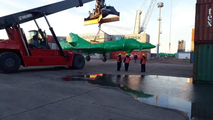 Llegaron a la Argentina los cinco aviones Super Étendard comprados a Francia Sem1