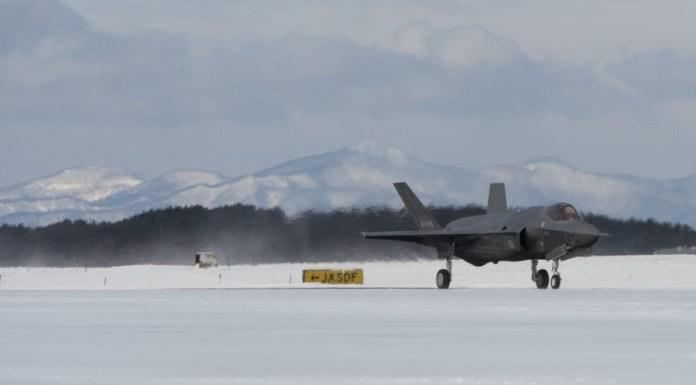 brote de coronavirus cierra instalaciones del F-35