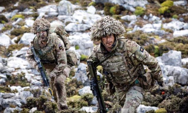 """BFSAI en Malvinas lleva a cabo el ejercicio """"Cape Bayonet"""" (imágenes)"""