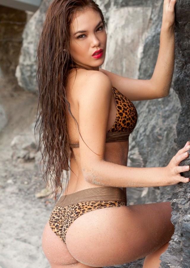 Jazmín Pinedo sexy en Bikini (1)