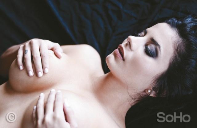 Alejandra Omaña desnuda (3)