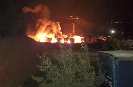 Два пожара вдигнаха на крак айтоските пожарникари (СНИМКИ)