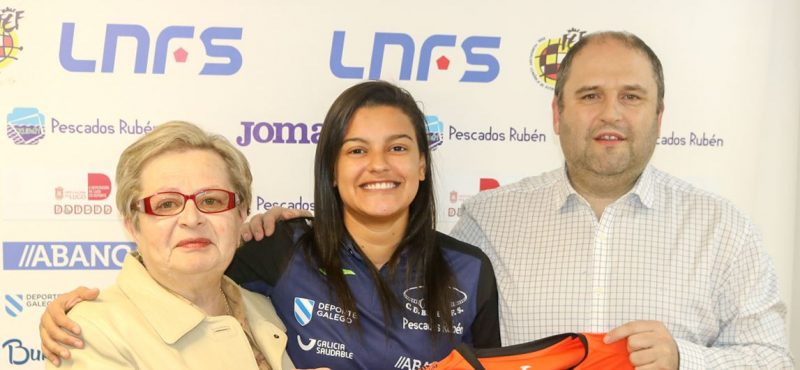 Presentación de Popó nueva jugadora de Burela FS