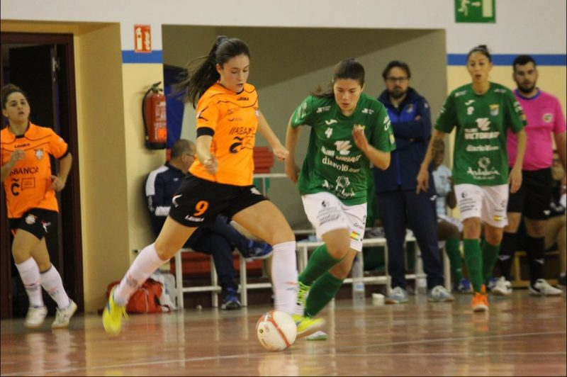 """Marta López-Pardo """"Martita"""" (Jugadora de Viaxes Amarelle FSF: """" La permanencia pasa por competir en todos los partidos y trabajar todas juntas para obtener los puntos necesarios para salvarnos."""""""