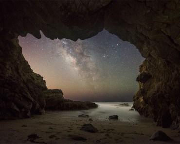 La Vía Láctea desde una cueva marina de Malibú