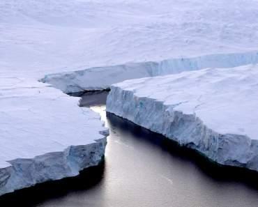 La grieta que liberó al Iceberg gigante no se detiene