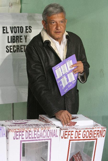 https://i1.wp.com/www.zonalibre.org/blog/nivonog/archives/peje%20votando.JPG