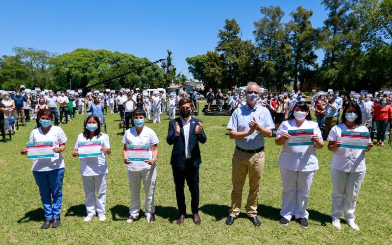 Resultado de imagen de Kicillof y Gollan entregaron un diploma de reconocimiento a quienes finalizaron el curso de Vacunadores Covid-19