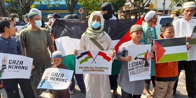 ZONASATU TV : Aksi Solidaritas Palestina Masyarakat Solo Raya