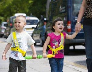 walkodile Duo–Harnais de sécurité pour Deux Enfants, Rênes pour Jumeaux