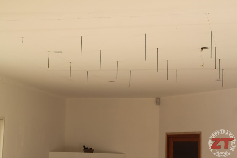 faux plafond spot led 07 zonetravaux bricolage d coration outillage jardinage. Black Bedroom Furniture Sets. Home Design Ideas