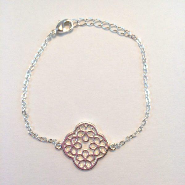 armband-met-bloem-zilver-feestelijke-armband