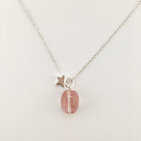 Korte ketting zilver ster cherry quartz ovaal