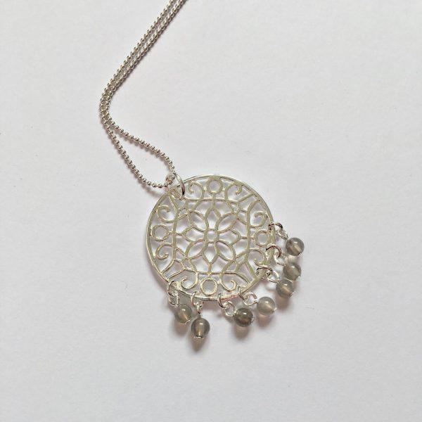 Lange ketting met edelsteen filigraan hanger natuursteen bolletjes zilver