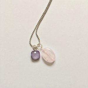 Lange ketting met edelsteen rozenkwarts lila glasbedel zilver