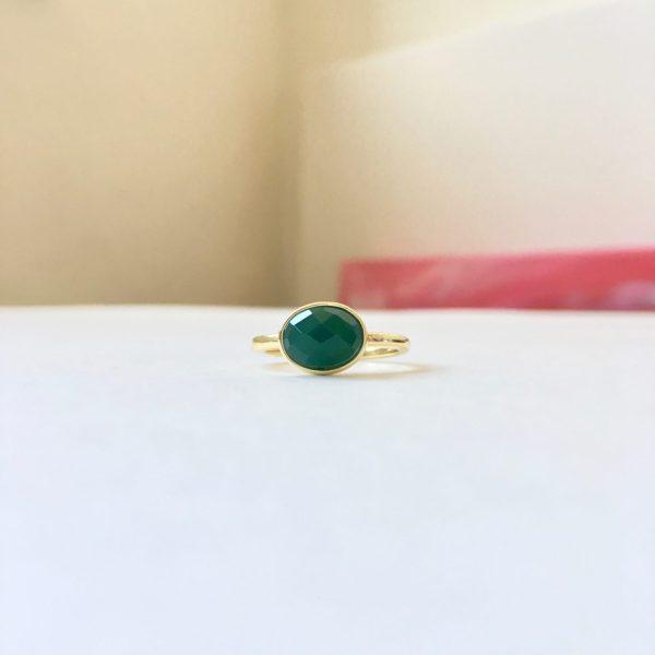 Ring met ovalen aventurijn goud maat M 17 mm