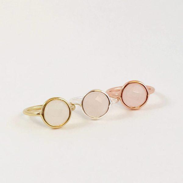 ringen met edelsteen rozenkwarts