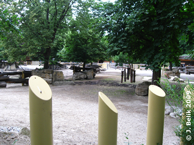 Nashornpark, rückwärtiger Teil der Außenanlage, 16. Juni 2009