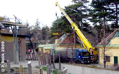 Der Tieflader mit seiner kostbaren Fracht - das war Millemeterarbeit pur! 2. Dezember 2009