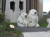 Eisbärenskulptur