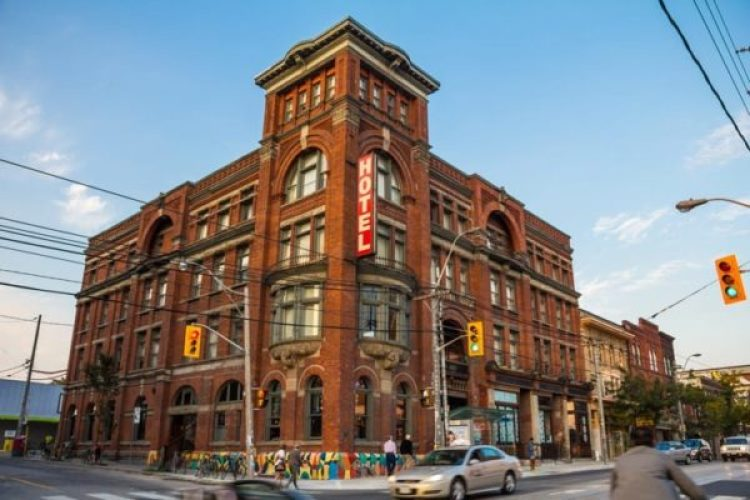 Parkdale's Gladstone Hotel | Photo by Atomazul / Shutterstock.com