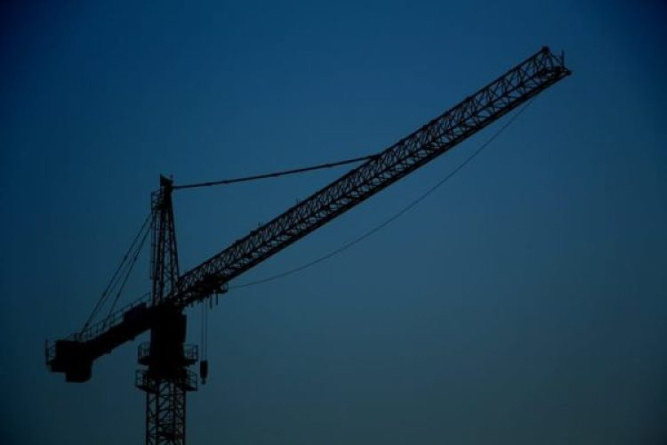 crane-night-condo-build