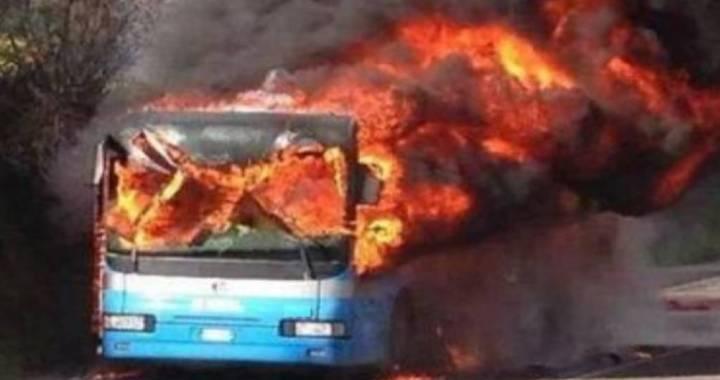 A proposito dell'autobus in fiamme