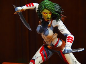 Gamora with Knifes