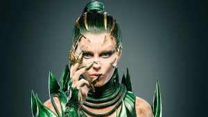 elizabeth banks in power rangers 2017 pic