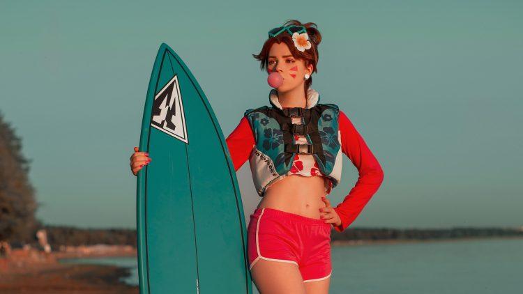 surfing cosplayer