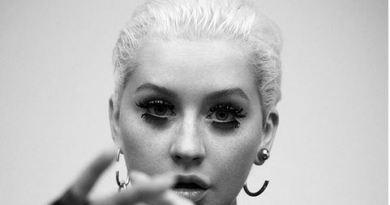 Christina Aguilera irriconoscibile... acqua e sapone