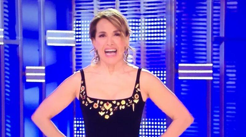 """Domenica Live, Barbara d'Urso annuncia: """"Entrerà una nuova concorrente nella casa del GF"""""""