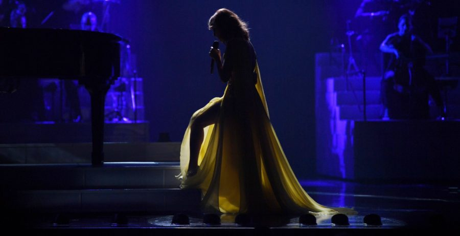 Ritorno sul palco per Céline Dion: eccola al concerto di Las Vegas (VIDEO)