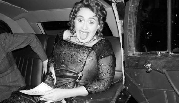 Adele… che festa! La cantante festeggia i suoi 30 anni in stile Titanic