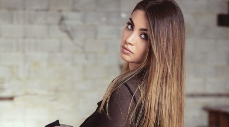 """Amici 17: il 6 luglio esce """"Moments"""", il primo album di Emma Muscat"""