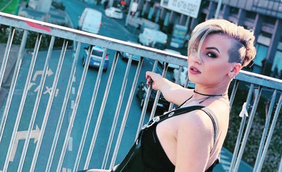 """Amici 16: dal 16 novembre in radio """"Urlo sul mondo"""" di Serena De Bari"""