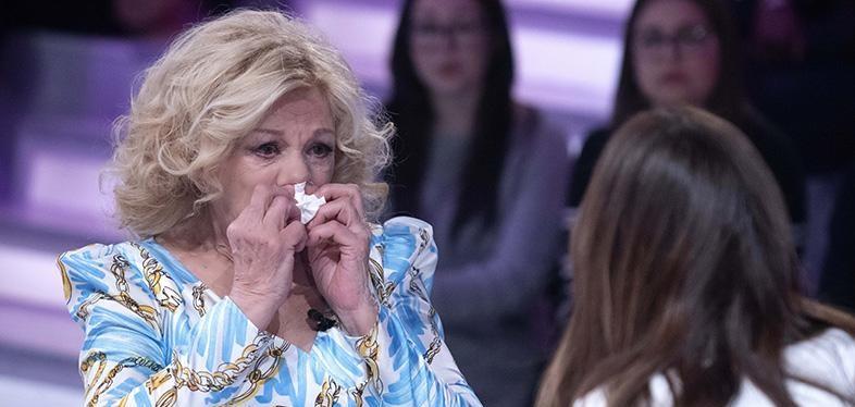 """Verissimo, Sandra Milo shock: """"In questo periodo ho pensato al suicidio"""""""