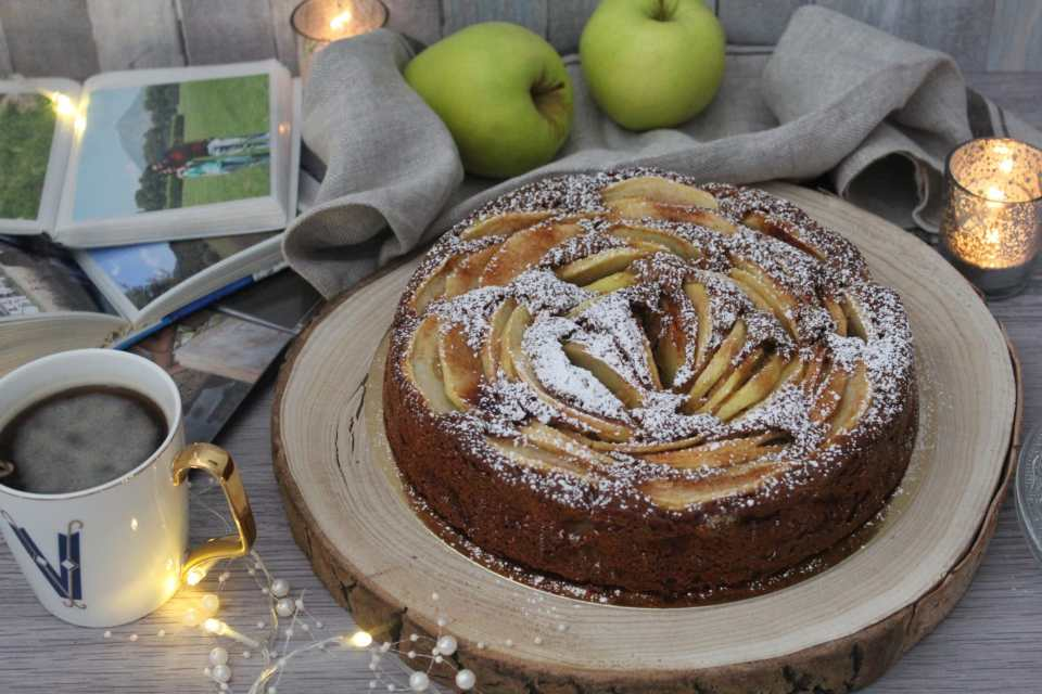 Torta rustica di mele e cannella