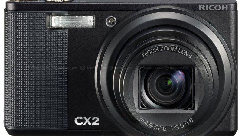 Ricoh CX2 Super Zoom Compatta