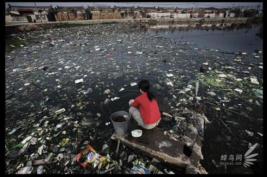 Guiyu-Guangdong-tutto-contaminato-da-inquinamento-cina-a-pezzi-tutto-distrutto