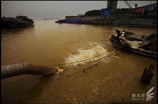 ancora-acque-reflue-inquinamento-cinese
