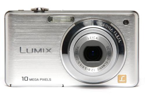 Panasonic-DMC-FS7-argento-davanti