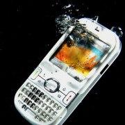 smartphone caduto in acqua come recuperarlo