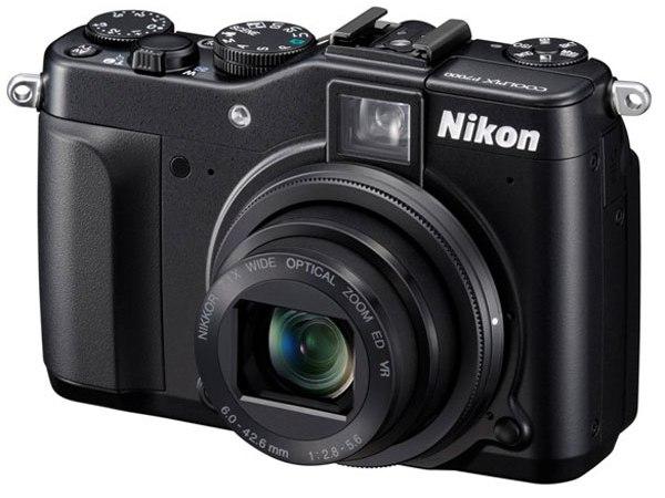Nikon presenta la nuova P7000
