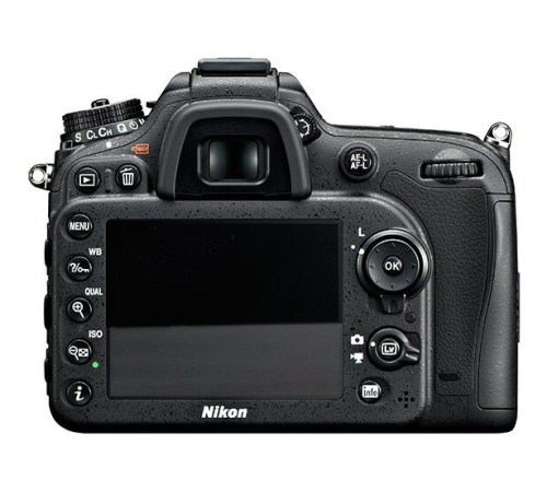 Nikon_D7100_Dietro
