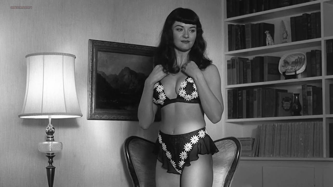 Gretchen Mol nude full frontal - The Notorious Bettie Page (2005) HD 720p (17)