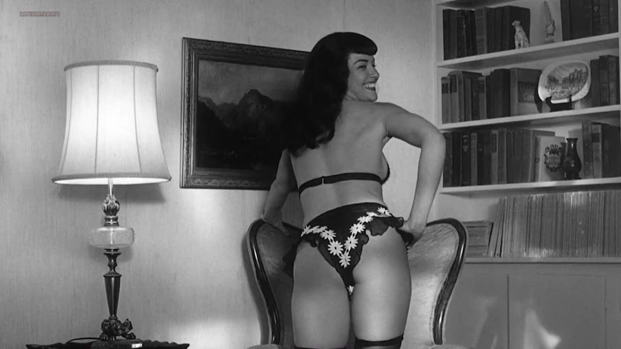 Gretchen Mol nude full frontal - The Notorious Bettie Page (2005) HD 720p (15)