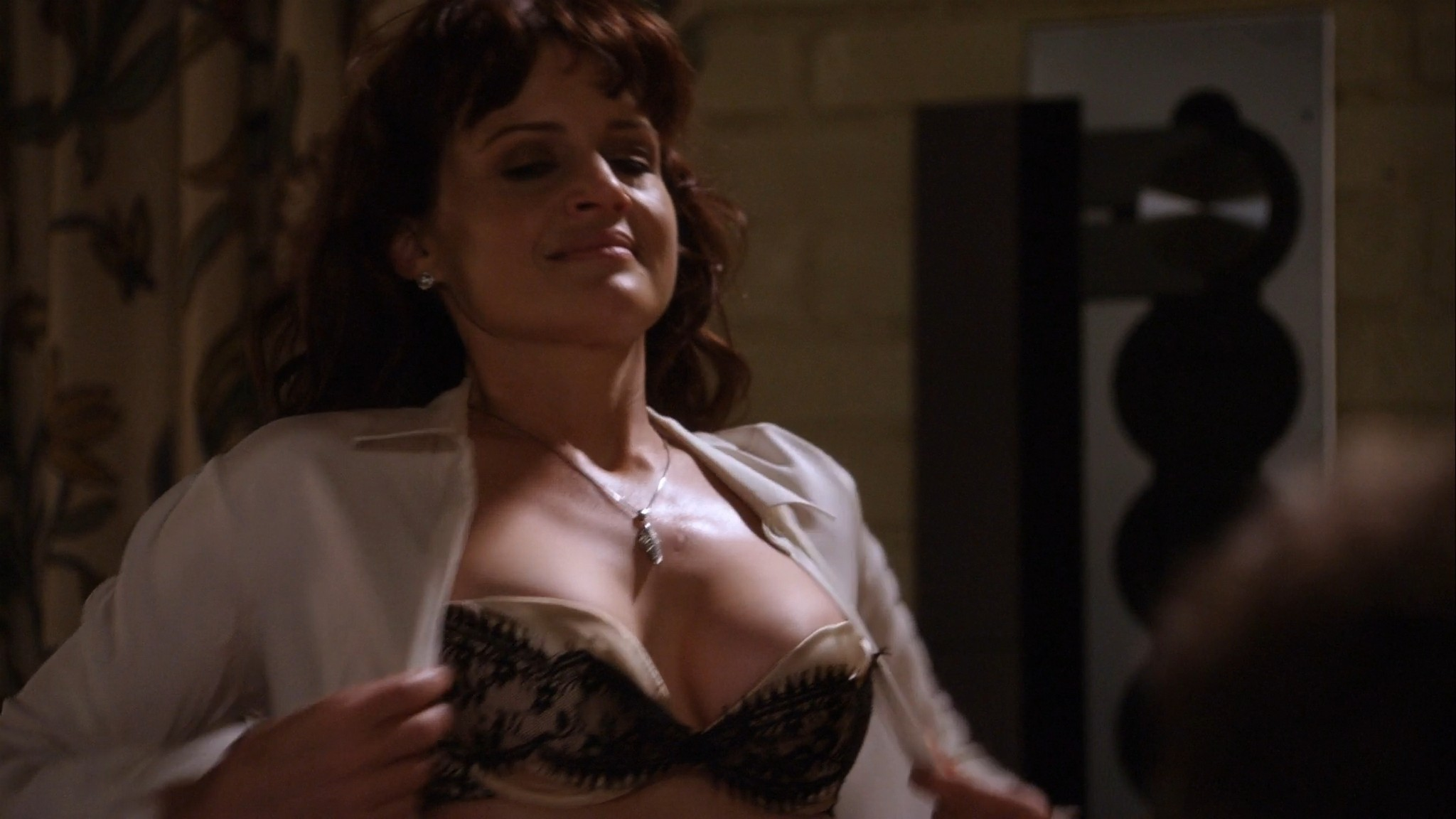 Carla Gugino hot lingerie Californication (2011) s4e7 HD 1080p (2)